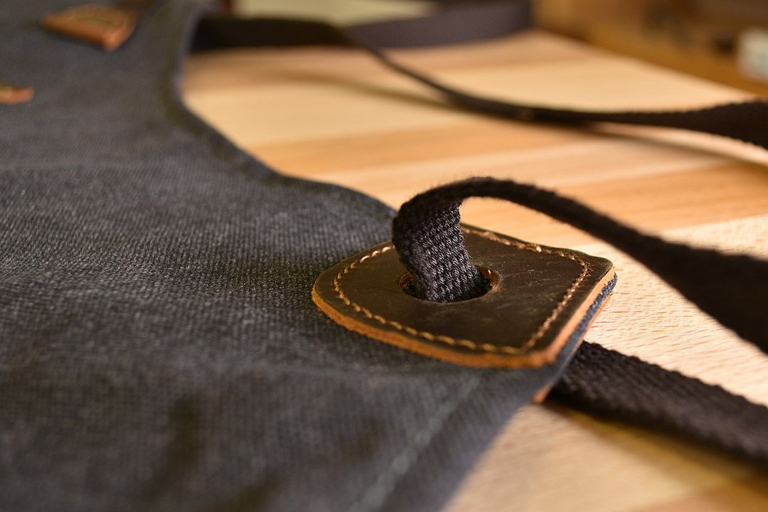 Kingham Waxed Canvas and Leather Apron - Slate Grey tie