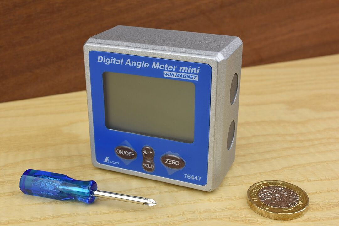 Shinwa Digital Angle Meter Mini with Magnet and size refernce