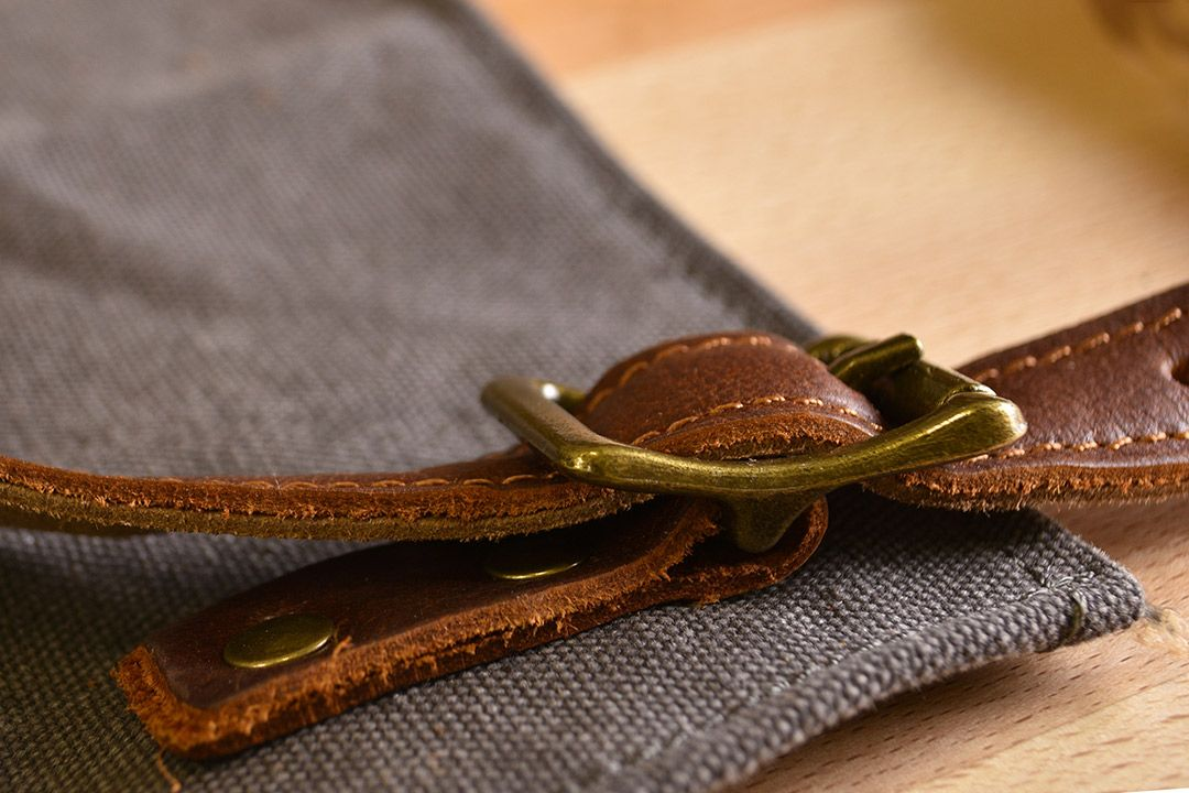 Upton Waxed Canvas and Leather Apron - Grey buckle detail