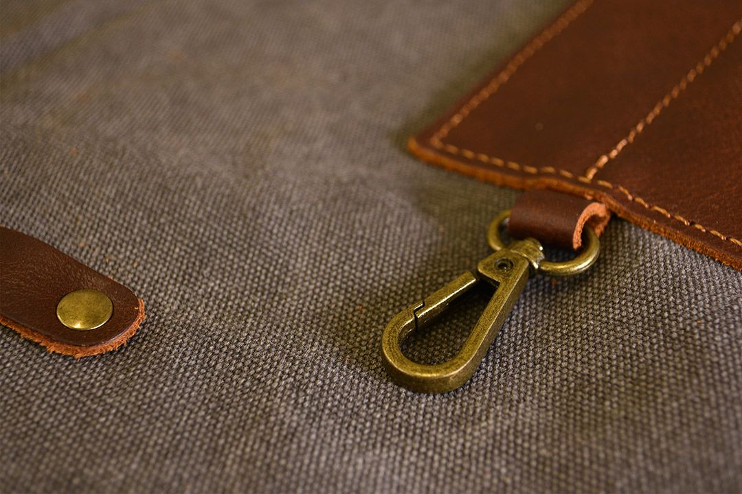 Upton Waxed Canvas and Leather Apron - Grey detail